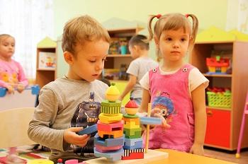 Инструкция: как без взятки зачислить ребёнка в детский сад