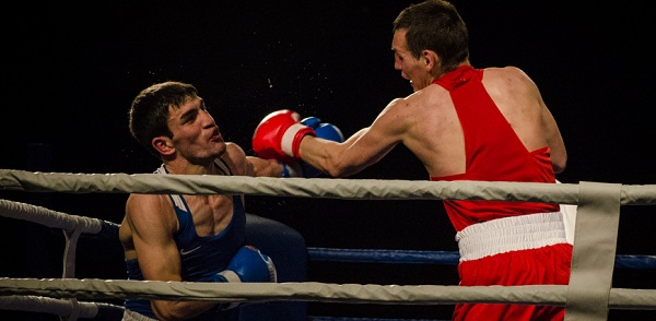 Астраханцы и чеченцы сразились на ринге. Наш фоторепортаж