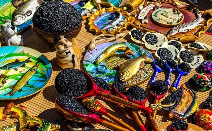 С туристическими сувенирами в Астрахани всё плохо