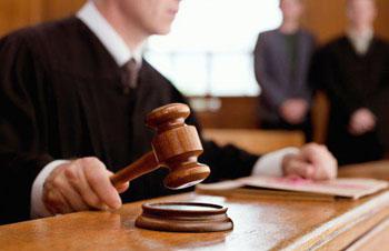 Начали судить главврача поликлиники в Астрахани