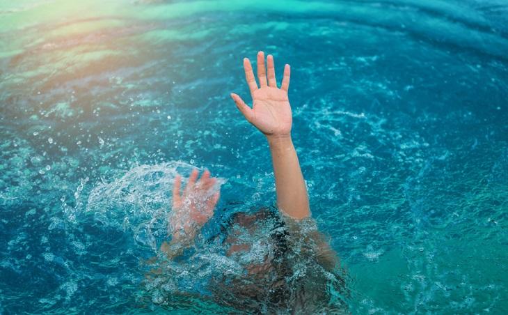 На астраханской базе отдыха спасли ребёнка
