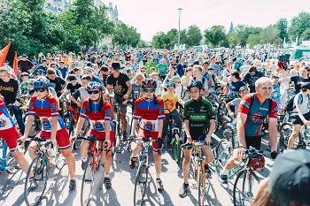 Тысячи астраханцев приняли участие в велопараде