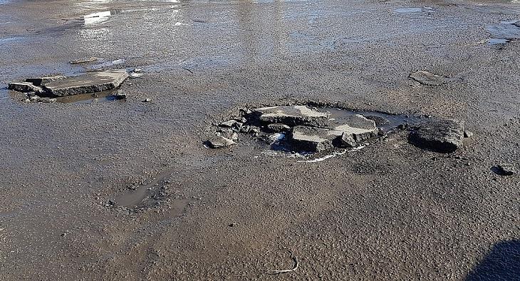В Астрахани не справляются с нацпроектом «Безопасные и качественные автодороги»