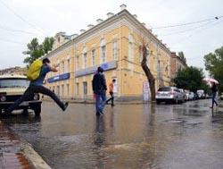 Последствия ливня в Астрахани