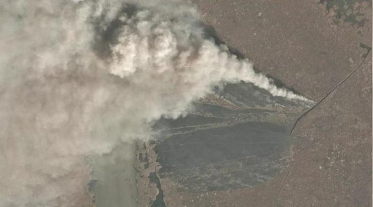 Туман привлёк внимание к пожару на территории Астраханского заповедника
