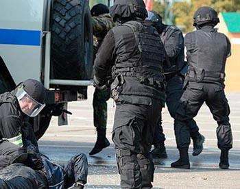 В Астрахани задержаны трое нападавших на полицейского в Саратовской области
