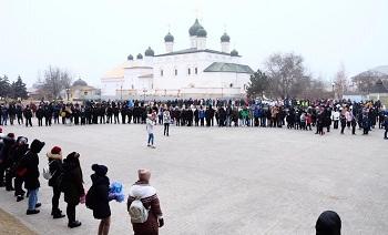 Астраханское морозное утро началось с челленджа здоровья
