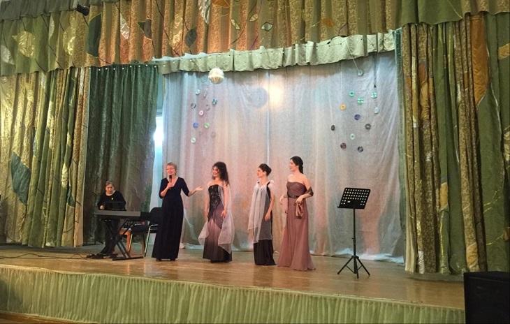 Астраханские артисты выступили в благотворительном концерте