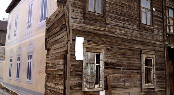 Потёмкинские домики на улице Бакинская в Астрахани