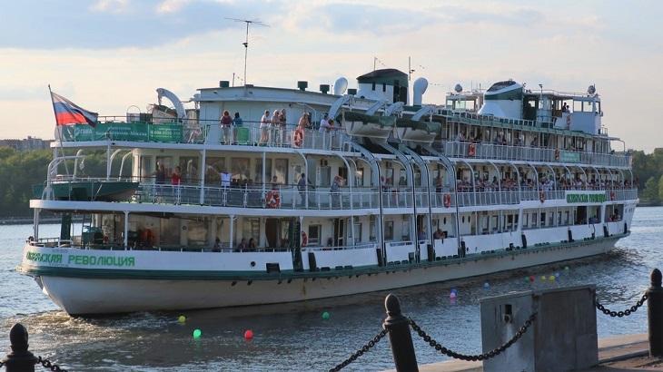 В Астрахани решили развивать бюджетный круизный туризм