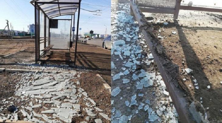 Астраханские вандалы разгромили новую остановку