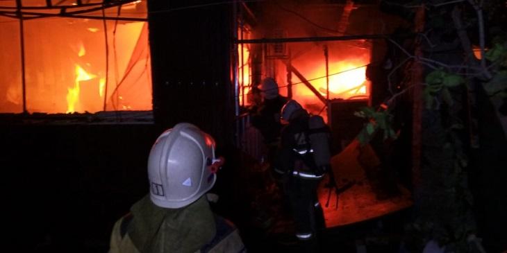 В правобережье Астрахани случился крупный пожар