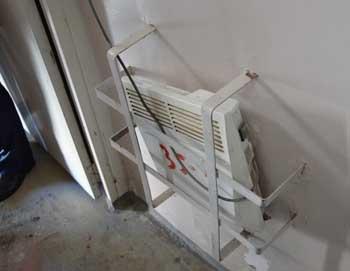 В астраханской новостройке из подъезда стащили электрообогреватели
