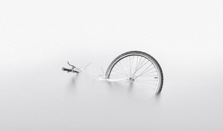 Астраханец не смог уплыть на велосипеде