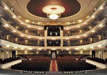 Астраханский драмтеатр преобразился
