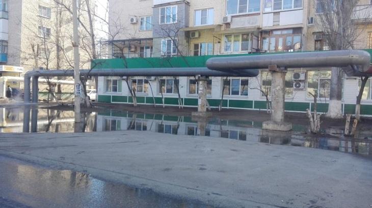 Жители Советского района Астрахани остались без горячей воды и тепла