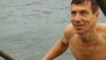 """Астраханские """"моржи"""" устроили традиционный заплыв"""