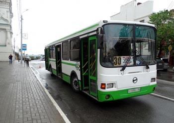 Сотни астраханцев требуют восстановления автобусных маршрутов