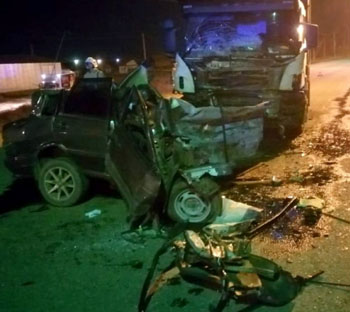 «Лоб в лоб» с грузовиком: в смертельном ДТП под Астраханью погиб мужчина