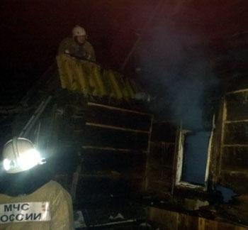 На пожаре в Астрахани погибли мужчина и женщина