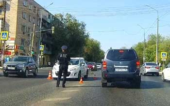 Утром на Адмирала Нахимова дама на иномарке сбила пешехода