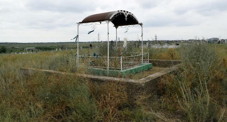 Мусульманские кладбища в Астрахани атакуют вандалы