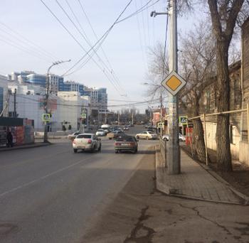 Астраханцев обеспокоил сильный запах бензина на Боевой