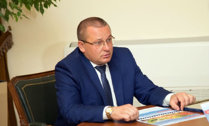 Дмитрий Заплавнов ответил за отсутствие психологов в черноярских школах