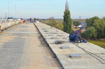 Мост через реку Табола на трассе Астрахань-Камызяк планируют открыть ко Дню дорожника