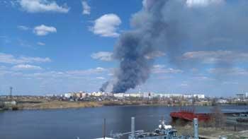 На Бабаевского снова горит камыш