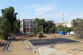 Где именно в Астрахани до конца года благоустроят девять дворов