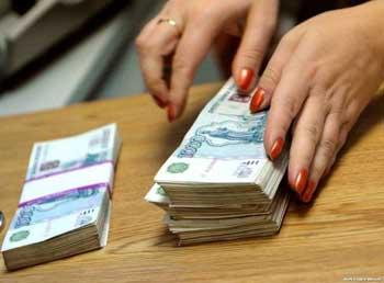 Казначей бухгалтерии Астраханского линейного отдела на транспорте МВД России обвиняется в мошенничестве