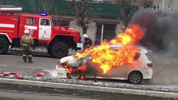 Два сарая и автомобиль горели в Астрахани за предыдущие сутки