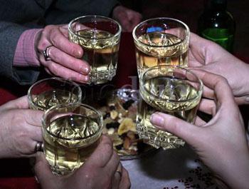 Пьяные астраханцы обчистили собутыльника-моряка