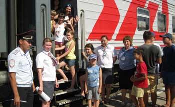 Астраханские железнодорожники позаботились о летнем детском отдыхе