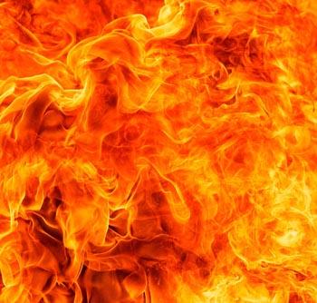 За смерть троих астраханцев в огне убийца получила 3,5 года колонии