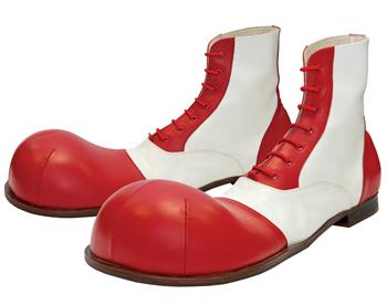 В Ахтубинске приставы конфисковали опасную для здоровья обувь