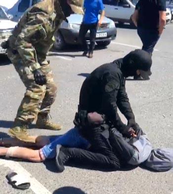 Попало на видео задержание столичного наркоторговца в Астрахани