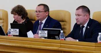 Игорь Мартынов установил ограничения для депутатов