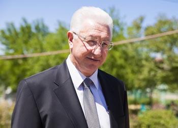 Не прошло и года: Константин Маркелов наконец-то назначен ректором АГУ
