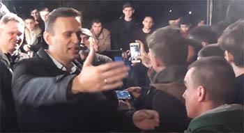 """Журналисты """"Дождя"""" раскритиковали Навального за хамство и снобизм, проявленные в Астрахани"""