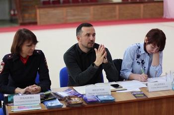 Министр астраханского спорта провёл родительское собрание