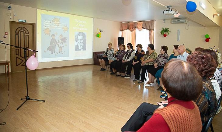 Астраханские пенсионеры отметили столетний юбилей знаменитой землячки
