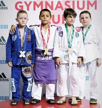 Юные астраханские джитсеры привезли десять медалей с международного турнира в Москве