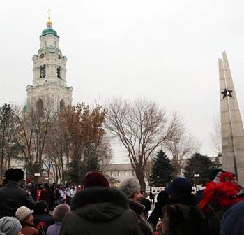 Политические противники объединились на митинге в центре Астрахани