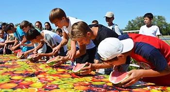В Камызякском районе состоялся второй арбузно-спортивный праздник