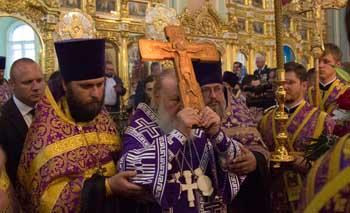 Святейший Патриарх Кирилл совершил всенощное бдение накануне Воздвижения в астраханском храме Казанской иконы Божией Матери