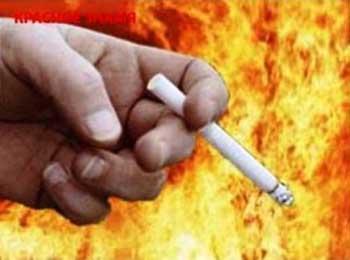 В Астрахани неосторожный курильщик спалил собственную дачу