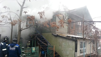 В центре Астрахани сгорел дом. Фото