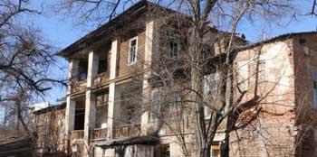 В Астрахани разрушили старинный дом с богатейшей историей